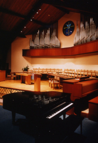 Built-in bell tables make incorporation of the bell choir with the many other choirs of this church easily accomplished.